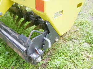 AerWay aerator with curved tines